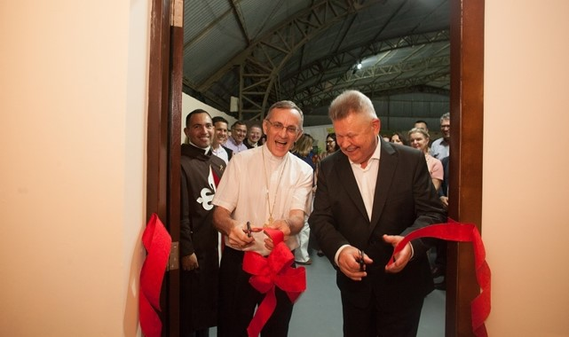Bispo e Prefeito de Joinville inauguram o Presépio dos Arautos